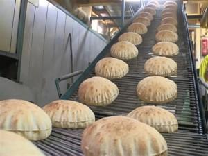 الحكومة تكشف عن أسماء البنوك المعتمدة لصرف دعم الخبز