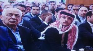 ولي العهد يؤدي صلاة الجمعة في مسجد الحسين بن طلال