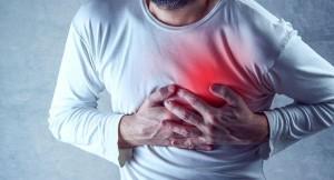 دراسة: الامتناع عن تناول الافطار والاكل قبل النوم سببا للازمات القلبية