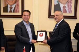 وزير الثقافة وزير الشباب  يوقع اتفاقية تعاون بين الشباب والجامعه الهاشمية