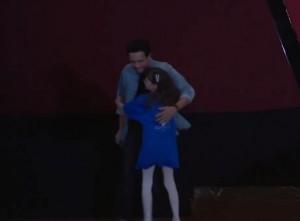 بالفيديو .. ولي العهد يُفاجئ أطفال مركز الحسين للسرطان