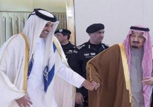 الملك سلمان يوجه دعوة رسمية لأمير قطر لحضور القمة الطارئة