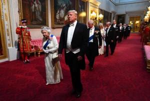 استغرق تحضير قائمة الطعام 6 أشهر.. تفاصيل المأدبة الملكية التي حضرها ترامب بقصر باكنغهام؟