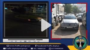 بالفيديو...ضبط سائق متهور قام بالتشحيط والاستعراض بمركبته في عمان