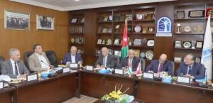 الحاج توفيق يتقصى الفرص الاقتصادية في تونس