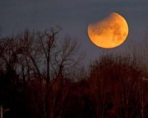 خسوف جزئي للقمر الاسبوع القادم