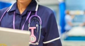 دراسة لشمول الممرضين المتقاعدين بامتيازات قرار التقاعد