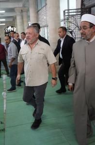 بالفيديو .... جلالة الملك يزور المسجد الحسيني فور عودته الى ارض الوطن