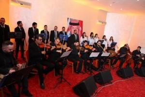 الفرقة الاوكرانية تعرض حفلا فنيا على مسرح ارتيمس