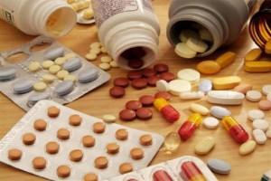 ماذا يحدث للجسم عند تناول الأدوية بكثرة؟