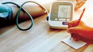 6 سلوكيات يومية تؤثر على ضغط الدم