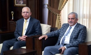 بحث التعاون بين جامعة عمان الأهلية ونقابة المهندسين
