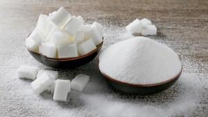 الصحة العالمية تحذر: الإفراط في تناول السكر يهدد الصحة والجمال