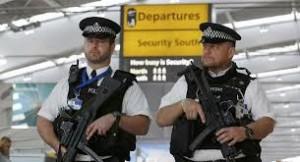 السجن عامين لكل من يسعل في وجه رجال الشرطة في بريطانيا