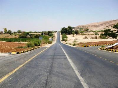 الشونة الشمالية: مقتل مواطن واحراق سيارتين في أعمال عنف بعد وفاة موقوف