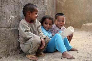 إيران تعتقل مجموعة تبيع الأطفال عبر الإنترنت