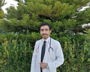 الدكتور أحمد ابو هزيم مبارك التخرج