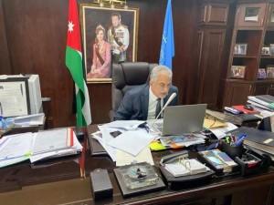 رئيس جامعة عمان الأهلية يشارك عن بعد بندوة اتحاد الجامعات العربية حول التحديات والفرص في ظل