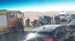 3 وفيات واصابتين بحادث مروّع على الطريق الصحراوي