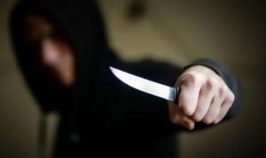 جريمة قتل بشعة...حدث يقتل والدته بـ 30 طعنة في عمان
