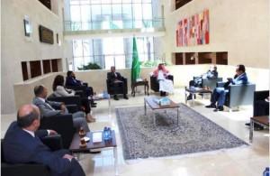 السفير السعودي يلتقي وفداً من جماعة عمان لحوارات المستقبل