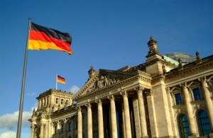 ألمانيا تحكم بتعويض معلمة أوقفت عن العمل بسبب الحجاب