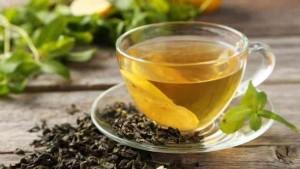 الشاي الأخضر يحرق الدهون .. هل نتناوله بارداً أم ساخناً؟