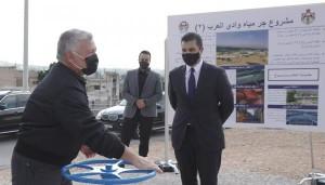 الملك يفتتح مشروع جر مياه وادي العرب 2