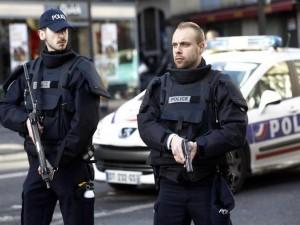 مقتل 3 رجال شرطة بالرصاص بوسط فرنسا