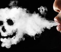 الحكومة: التدخين وكورونا مزيج قاتل