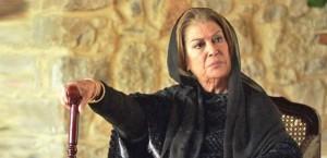بالفيديو .. منى واصف تبكي الملايين حزنا على وفاة حاتم علي: