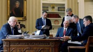 ترامب يعفو عن مساعده السابق و