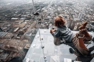 لماذا يخاف البعض من المرتفعات والأماكن العالية؟