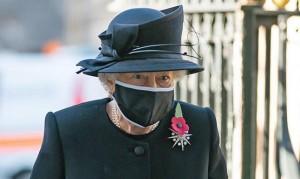الملكة إليزابيث : عدم تلقي اللقاح أمر أناني