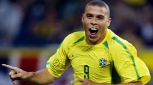 وكيل رونالدو السابق: برشلونة أذل وأهان النجم البرازيلي