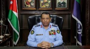 مدير الأمن يأمر بتوقيف ضابط وأفراد لتجاوزهم القانون بالتعامل مع أحد منتسبي الجيش