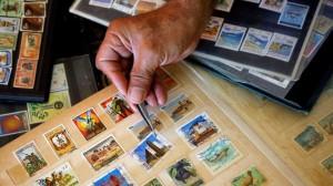 أقدم شركة لتجارة الطوابع البريدية تشتري أغلى طابع في العالم بقيمة 8.3 مليون دولار