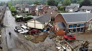 100 وفاة وآلاف المفقودين في فيضانات ألمانيا