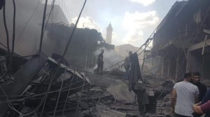 وفاة و 8 إصابات بانفجار في سوق بغزة