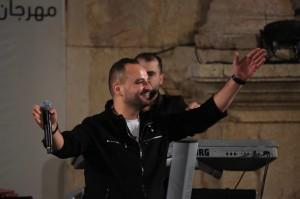 عيسى السقار يعيد ألق المسرح الشمالي في جرش بجمهوره الكبير