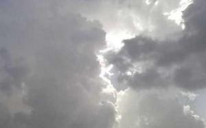 طقس العرب: سُحب ركامية مصحوبة بزخات مطرية ورياح مُثيرة للغبار
