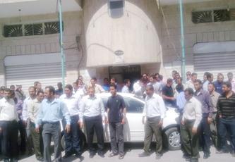 مضايقات أمنية لمعلمين على الطريق الصحراوي ومئات آخرين يعتصمون أمام الرئاسة