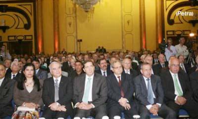 مندوبا عن الملك.. رئيس الوزراء يفتتح المؤتمر الوطني لتطوير الخطط الدراسية