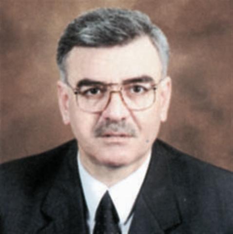 النائب السابق الدكتور نبيل نهار يخرج عن صمته.. أداء الحكومة متواضع وقد خدمها انخفاض المشتقات النفطية