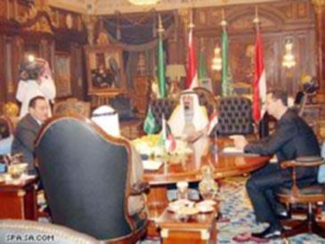 """قمة الرياض تقر """"منهجاً موحداً"""" للسياسات العربية"""