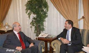 """رئيس الوزراء يلتقي رئيس مجلس الاعيان ويزور """"العرب اليوم"""""""