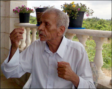 الشاعر نجم يحيي صمود غزة ويدعو لرفض المبادرة المصرية