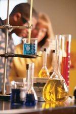 """تفاعلات كيميائية بـ""""اليرموك"""" تتسبب في تصاعد الدخان والأبخرة"""
