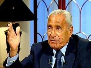 محللون: هيكل أكذوبة خرفة تنفث سمها على حلقات من مقبرة اسمها قناة الجزيرة