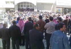 400 معلم يعتصمون أمام رئاسة الوزراء غداً